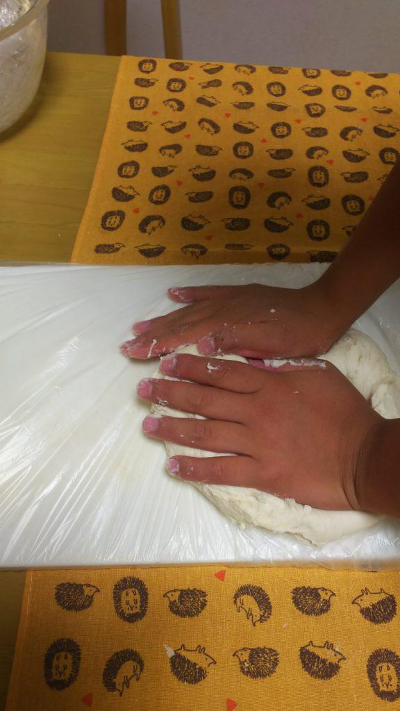 日本一適当なパン教室・オセロパン・生地作り