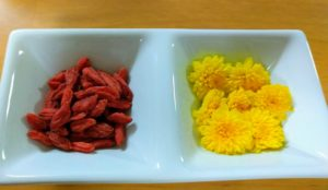 枸杞と菊花