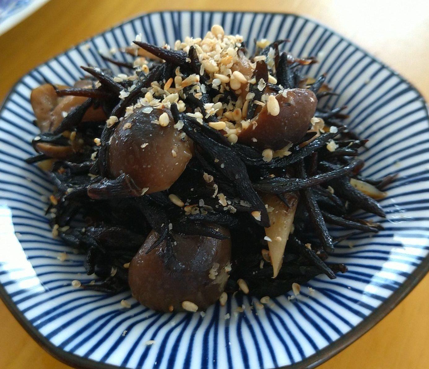 ゴボウとひじき炒め煮生姜風味