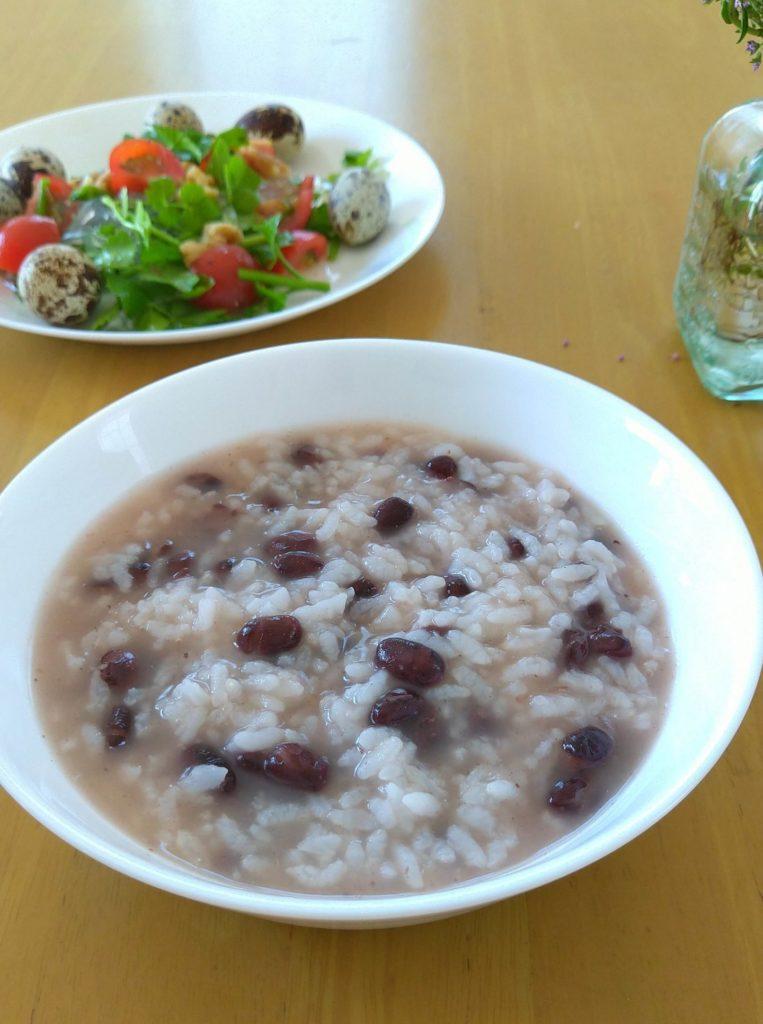 「薬膳朝食」簡単時短「あずき粥」で美味しく水はけのよい体に…