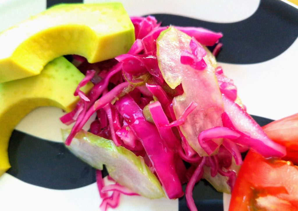 「簡単・作り置き」紫キャベツとセロリのマリネの作り方と栄養価や効能も!