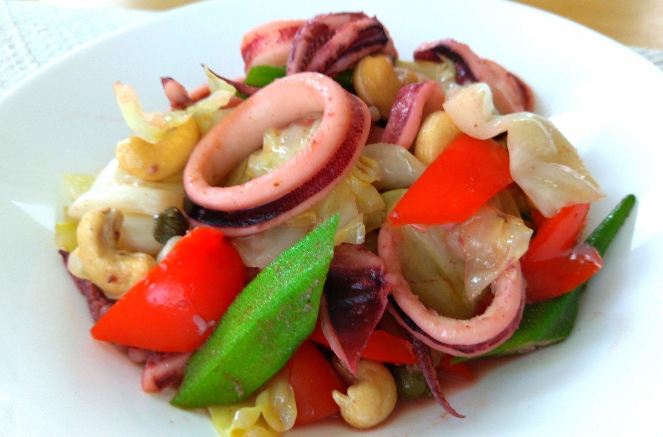イカと夏野菜の炒めもの