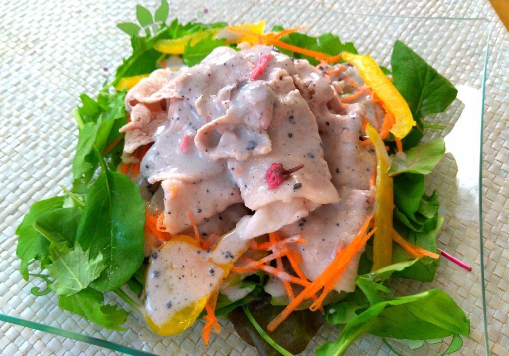 「おうちカフェ・夏」豚肉を使ったカジュアル薬膳レシピは?