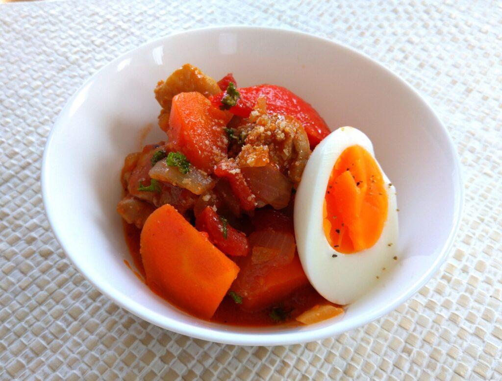 鶏肉とパプリカのトマト煮込み